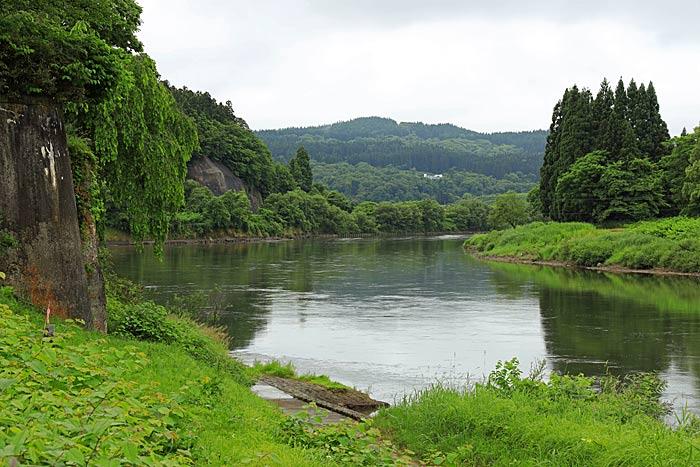 上川 早 し を 五月雨 て あつめ 最 五月雨をあつめて早し最上川